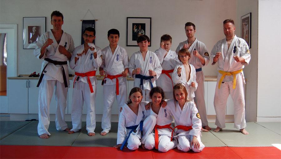 gruppenbild-kumite