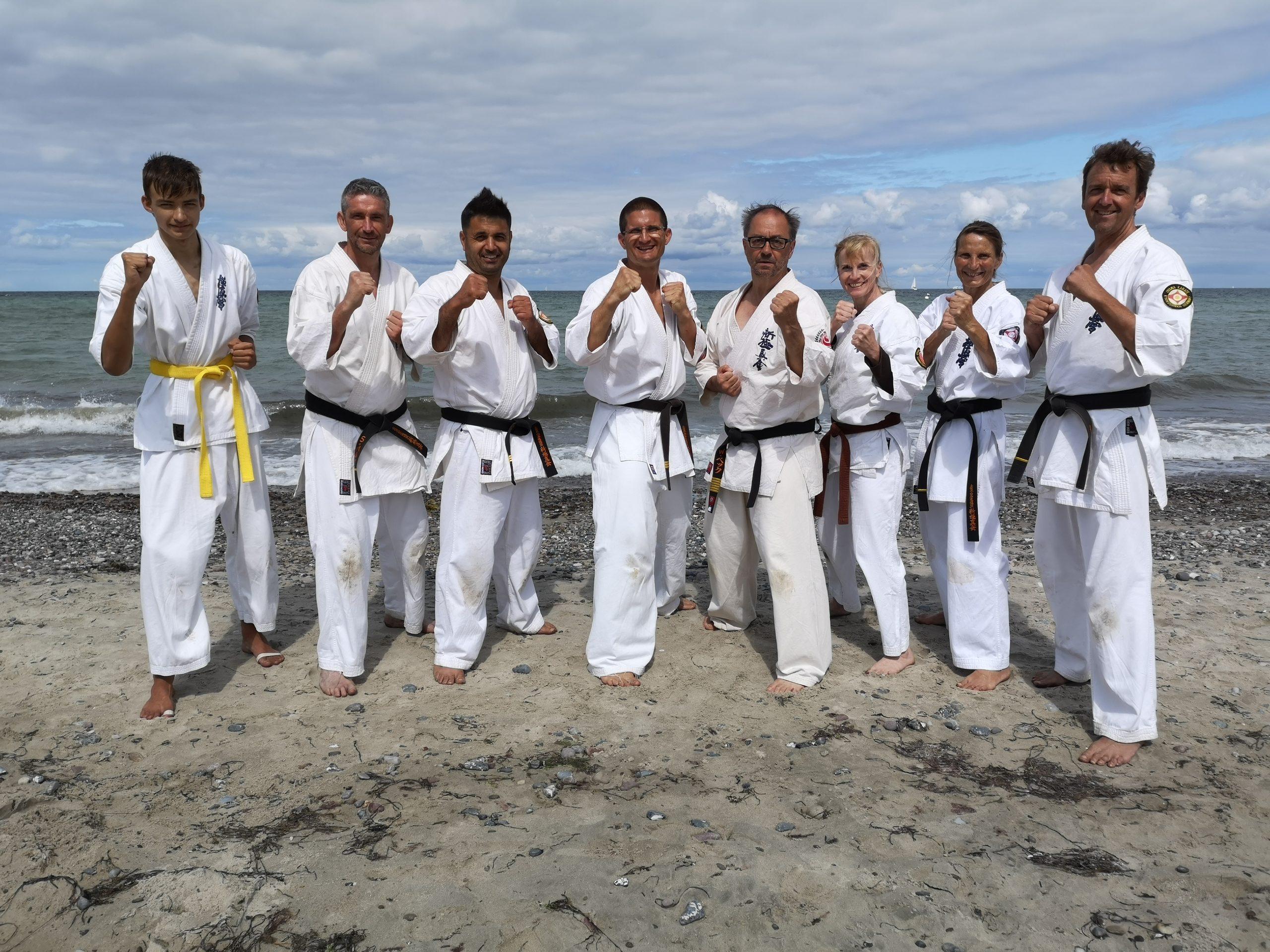 Neustädter trainieren an und in der Ostsee